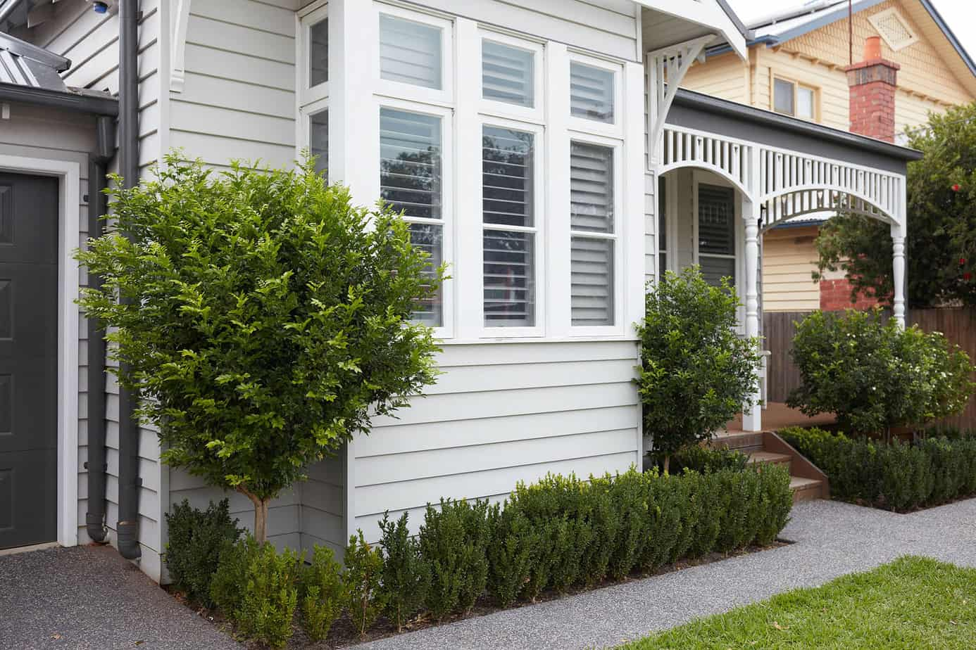 Weatherboard home front yard